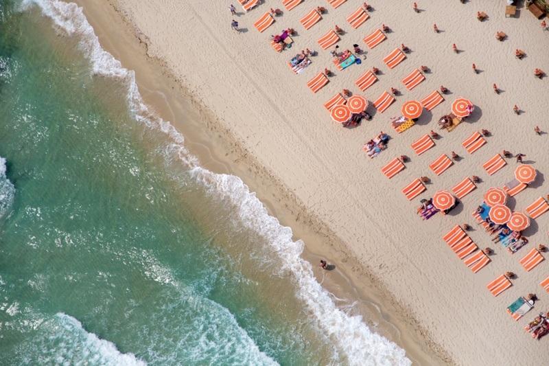 От Сен-Тропе до Манхэттена. Фотографии пляжей фотографа Грея Малина