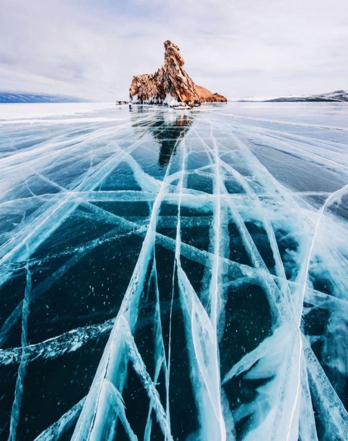 Красивые фото льда на замороженном Байкале